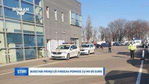 Bugetari prinși că vindeau permise cu mii de euro